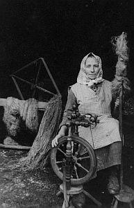Poslední přadlena na Lhotě - babička Kotasová - Novotná
